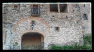 Montfalcó Murallat: portal d'accés a la vila-closa  Ramon Sunyer