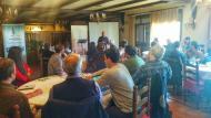 els assistents escolten la xerrada de Josep M. Ganyet