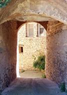 Montpalau: portal  Ramon Sunyer