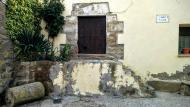 Guarda-si-venes: Detall casa  Ramon Sunyer