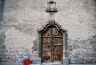 Llindars: detall porta església  Ramon Sunyer