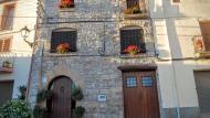 Montoliu de Segarra: detall façana  Ramon Sunyer