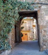 El Canós: portal  Ramon Sunyer