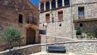 Viver de Segarra: plaça del Cup  Ramon Sunyer