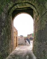 La Prenyanosa: Portal del castell  Ramon Sunyer