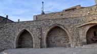 Forès: Plaça del Castell  Ramon Sunyer