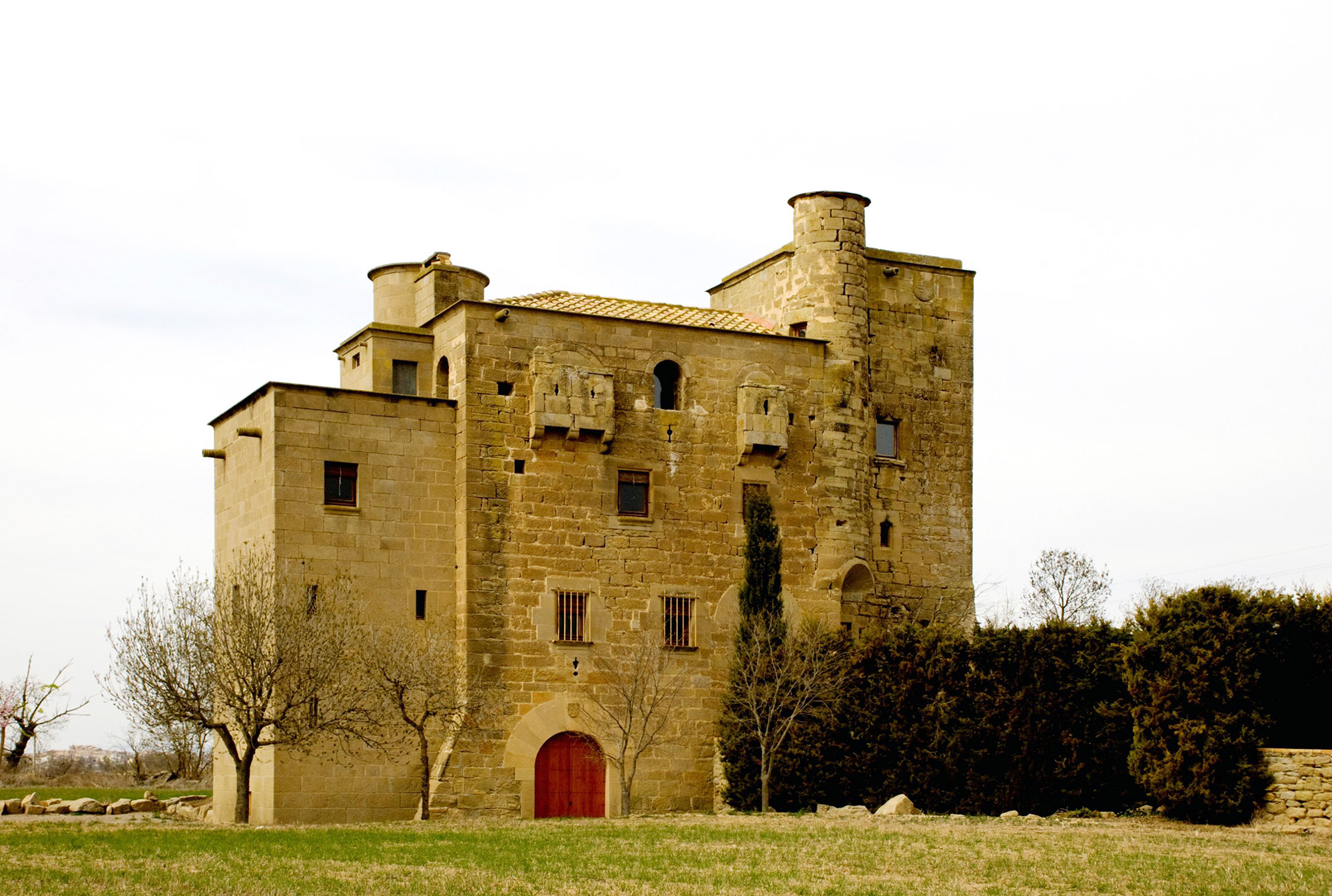 l'antic castell de Ratera, un dels que es pot observar a la marxa
