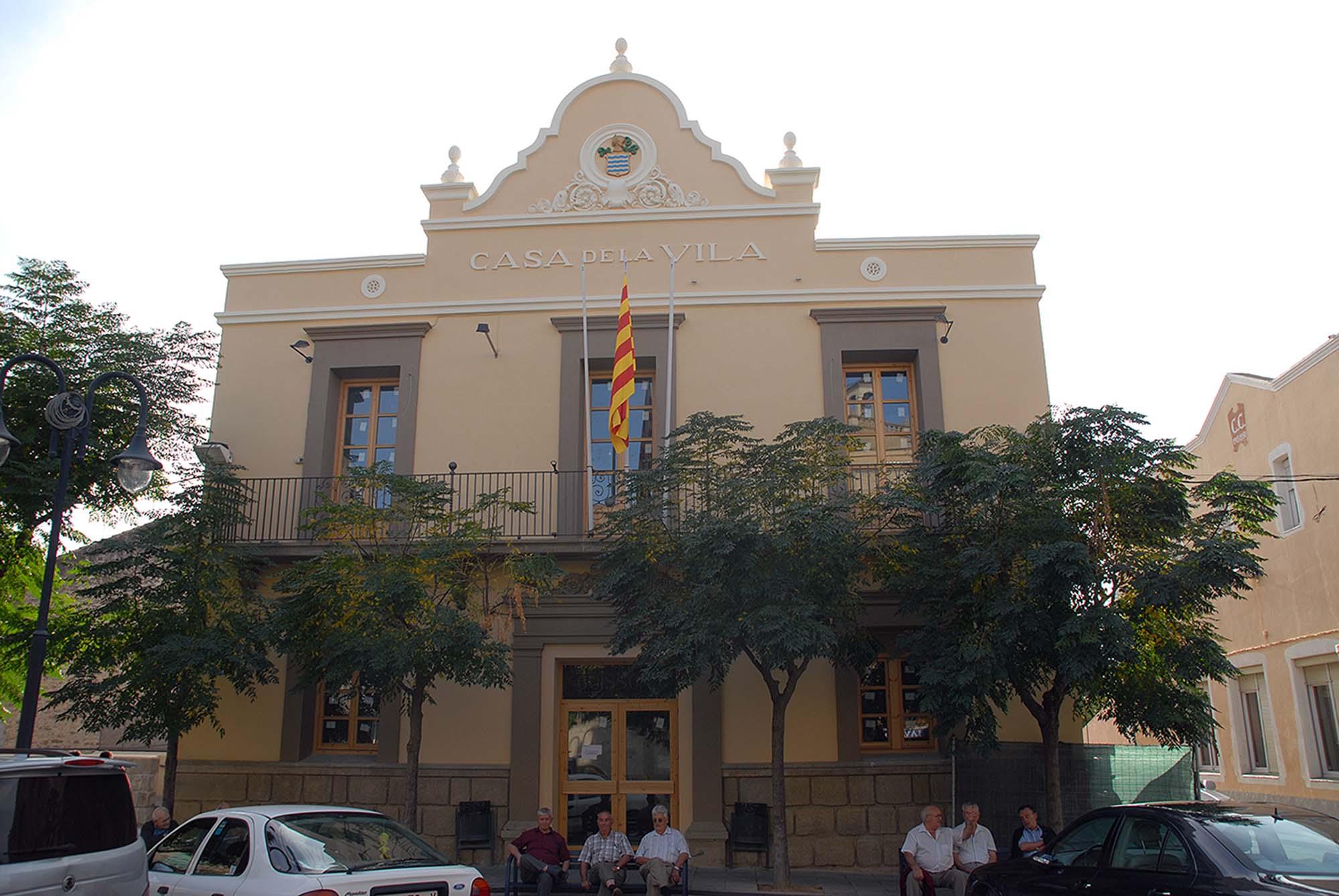 Edificio casa de la Vila
