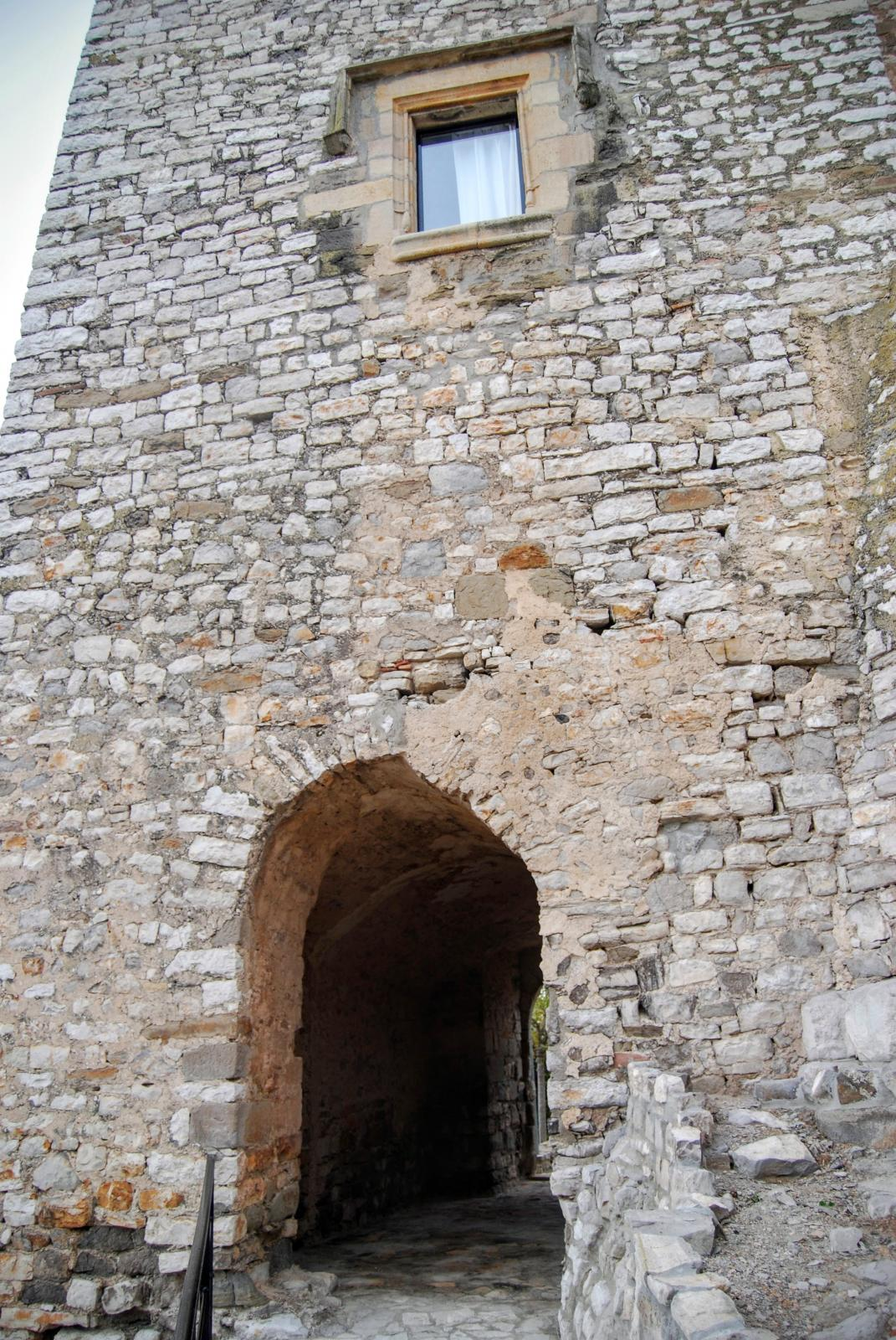 Castle of Fonolleres
