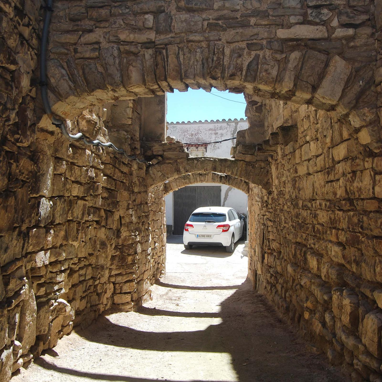 Walled town of Oluja Alta