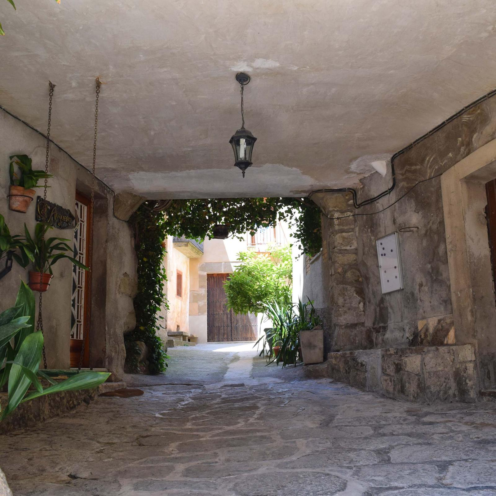 Walled town of Ratera