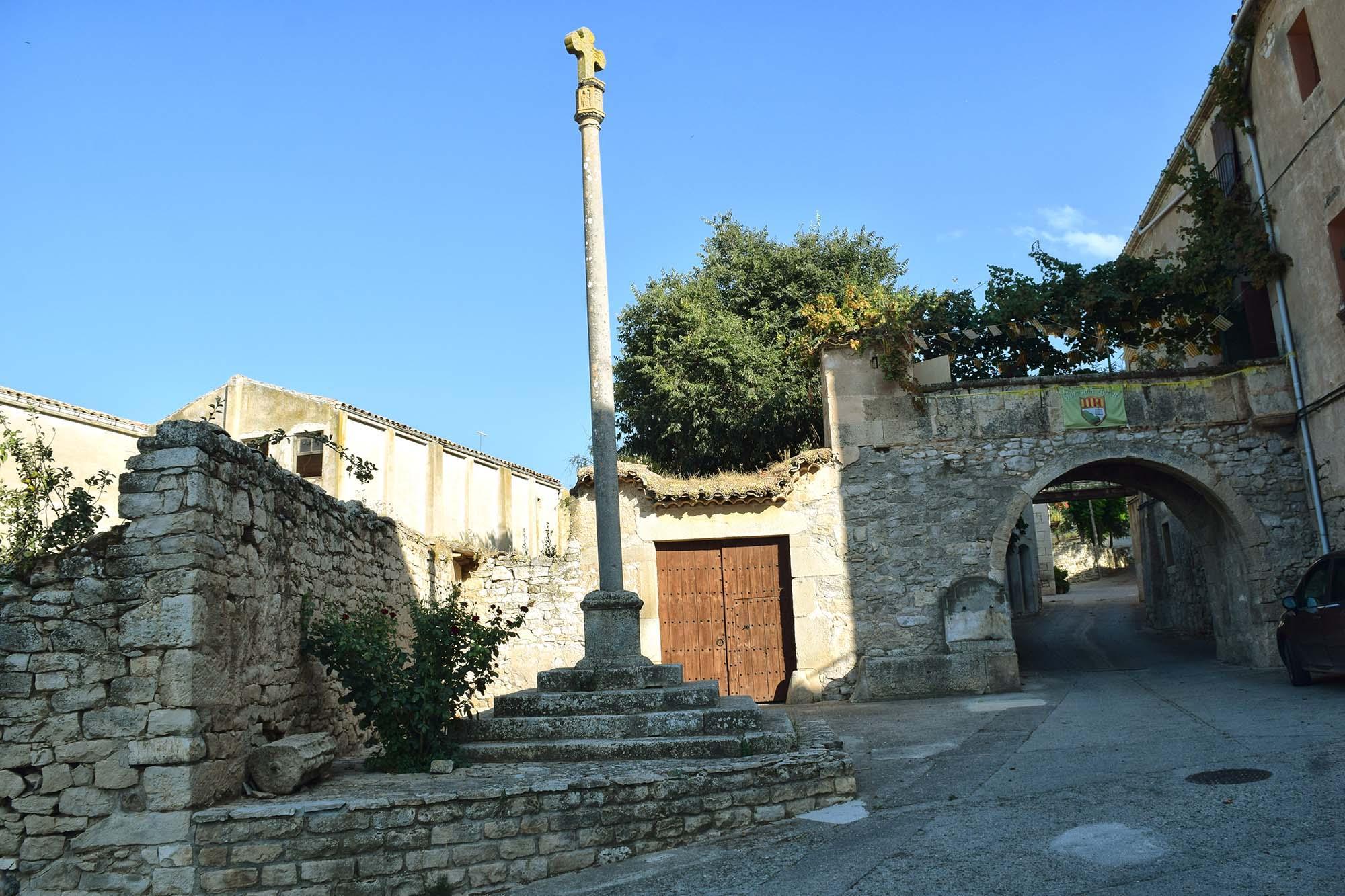 Wayside cross Llorenç de Rocafort