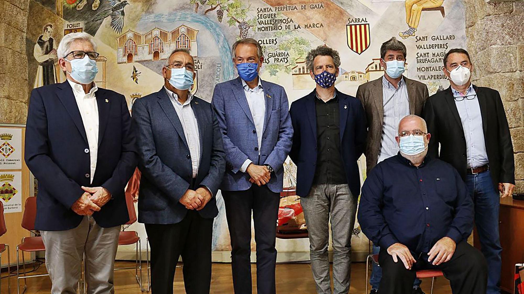 Set comarques  en contra de la massificació de projectes d'energies renovables.